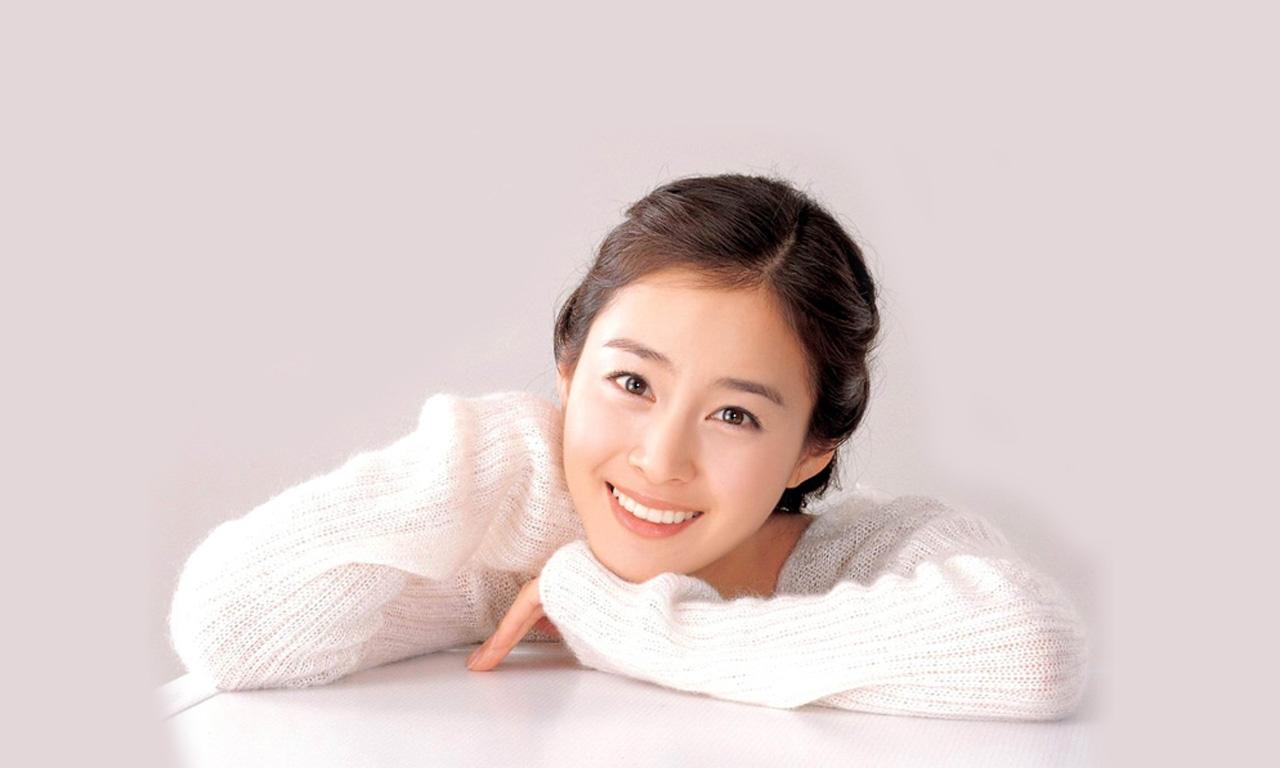 谁有韩国美女金泰熙的照片啊?