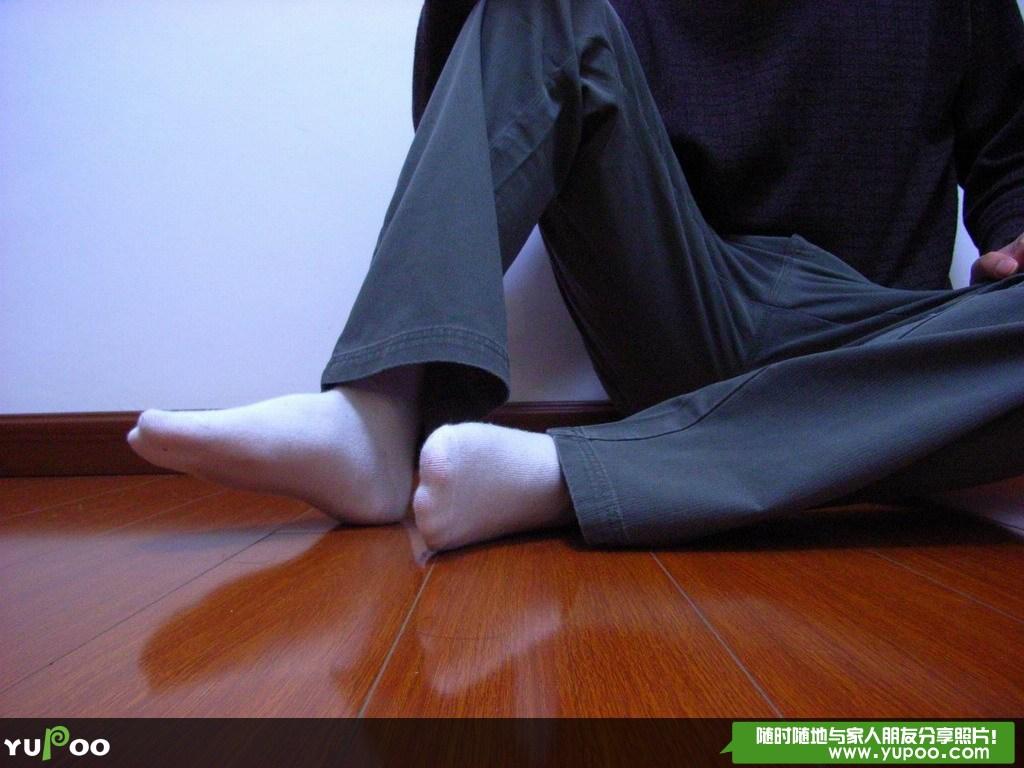 白袜帅哥脚被绑图片; 小女孩白袜图片;