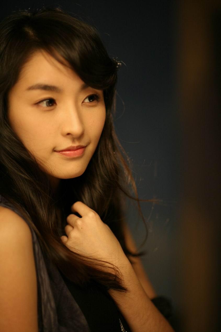郑柔美(郑俞美),,~认识她是在《五星大饭店》裏面,很柔美