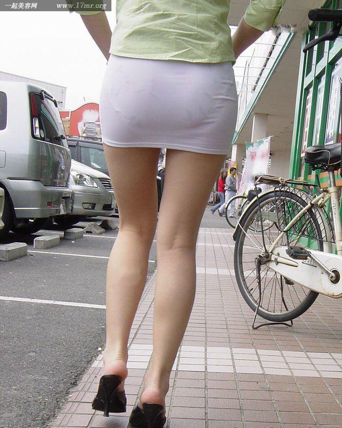 【转】迷你超短裙 尽现完美身姿