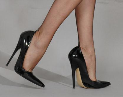 是女人一定要穿高跟鞋