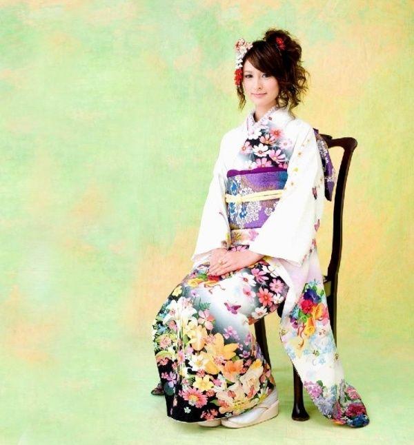穿和服的日本美女 格瓦兹的空间