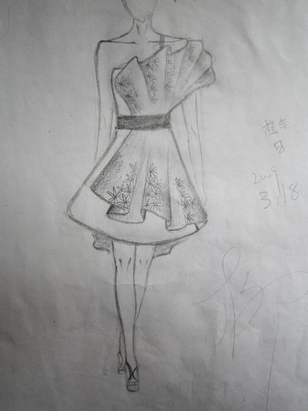 手绘现代美女图片_服装设计分_时尚服装设计图手稿_简易美女手绘图片图片