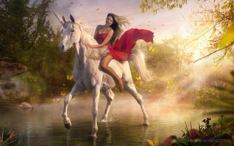 求古装美女骑马的图