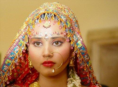 鼻钉美女鼻子上有痣印度女人的鼻子印度的鼻环美女