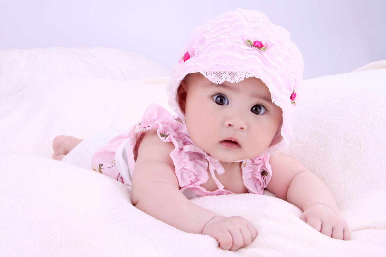 漂亮宝宝眼睛好大 可爱吧