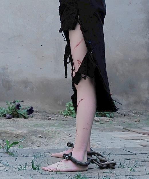 目的的集中营 不曾考虑给予年轻的少女囚犯发放鞋子
