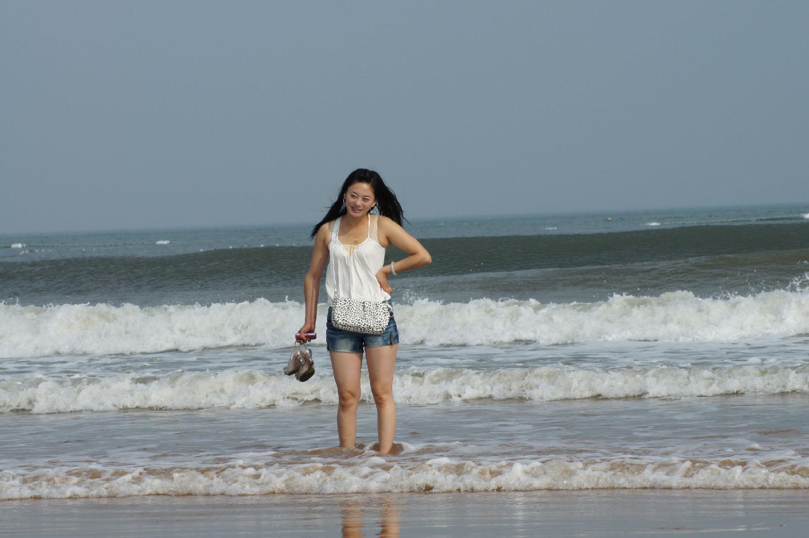 海滩美女 青州吧