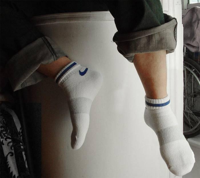白袜子帅哥 白袜子俱乐部 西装白袜子 袜子批发图片