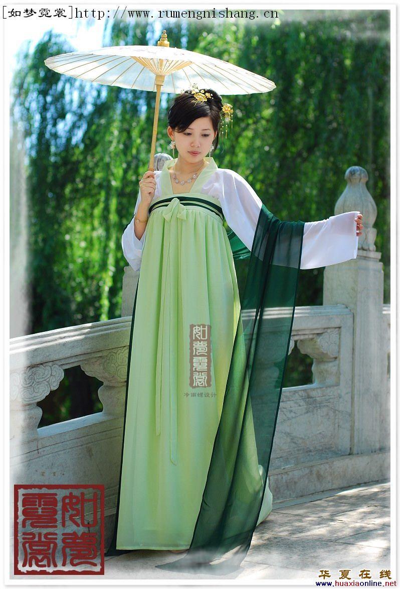 鲜服装:朝服 唐代时期,新罗与唐朝交往甚密,服饰特点几乎与唐图片