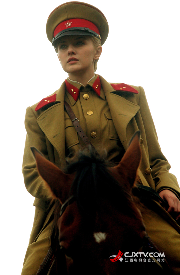 《我的娜塔莎》打开伊莉莎饰娜塔莎主演异世界的恐怖电影图片