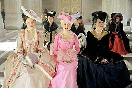 法国妇女传统宫廷服饰古典华丽图片