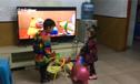 3岁小表叔带2岁小侄女买零食
