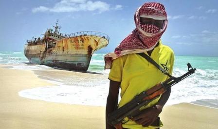 货轮私人保镖扫射索马里海盗
