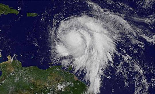 """飓风""""玛丽亚""""登陆多米尼克"""