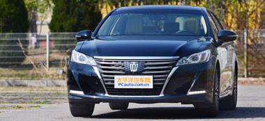 试驾一汽丰田新皇冠2.5L