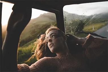 美到屏息的新西兰  美女同游指环王取景地