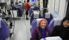 台湾桃园机场捷运开放试乘