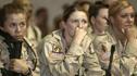 美国女兵入伍第1天就被这样对待