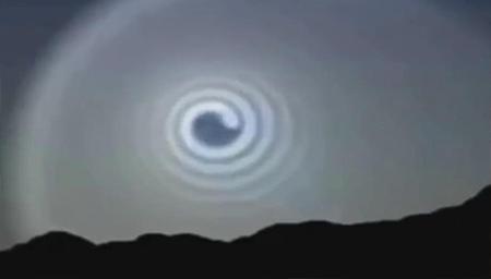 15个天空中的奇怪现象被拍到,看完还是难以相信!!