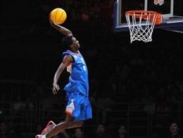 历届NBA球星的投篮表演都太小儿科了,这才是表演!