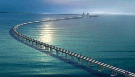 央视记者亲测行走港珠澳大桥