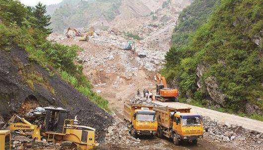 陕西白河县发生山体滑坡
