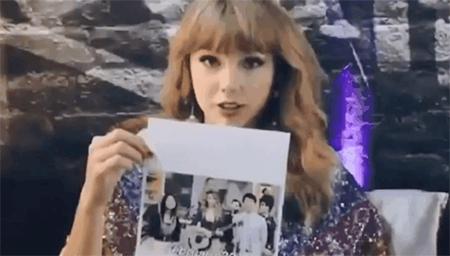 泰勒·斯威夫特日本节目独家采访,在日本最想去猫咖?