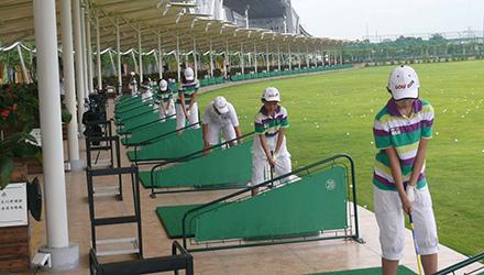 高尔夫-少儿高尔夫的体育运动