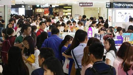 中国出境游人次超入境游3000万