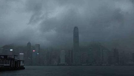 """香港再次发布""""十号风球"""""""