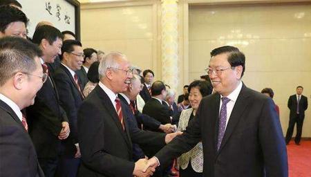 张德江会见香港中华总商会访京团