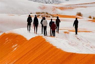 地球最热的撒哈拉沙漠都下雪了!北京怎么还没下?