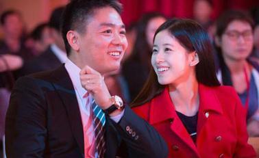 刘强东回应不知妻美我真心脸盲