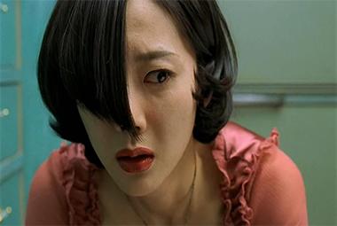 恶毒后妈逼死正室,然后逼疯继女的恐怖电影