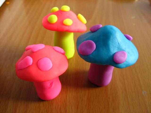 五年级手工作品8------彩泥作品(汉堡,水果,蔬菜)图片
