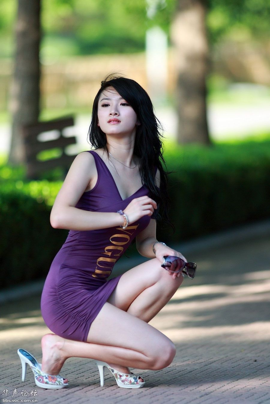 性感漂亮的白嫩美女2011