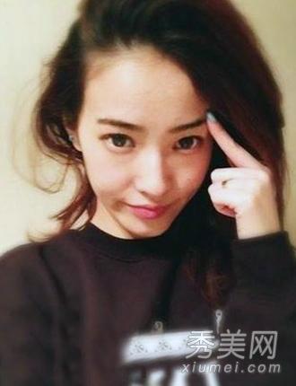 欧弟承认结婚 女友郑云灿长发时尚靓丽图片