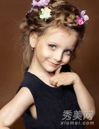 俄罗斯童模爆红 发型百变美似天使图片