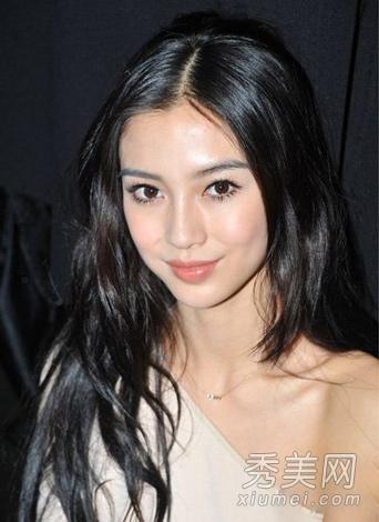 杨幂13分网盘_杨幂杨颖领衔示范 今季最流行的黑色发色
