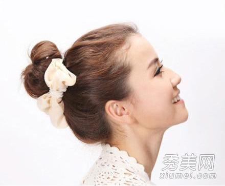 中长发怎么扎好看 韩式丸子头扎发图解图片