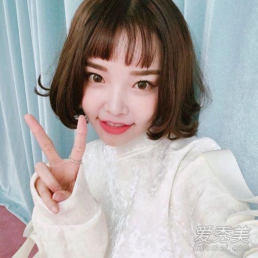 个性短刘海发型,二次元刘海加中长发甜美又清纯,将女生的可爱气质完美图片