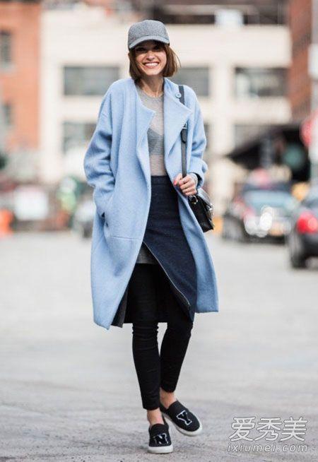 大衣搭什么鞋子 今冬流行配运动鞋图片