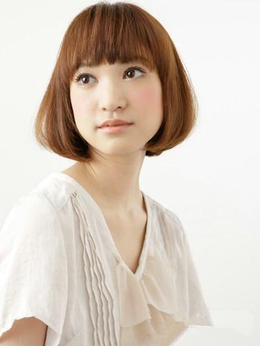 女生短发齐刘海发型图片 甜美减龄so easy图片