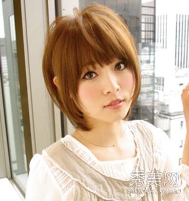 长脸马脸女生适合的 短发烫发发型图片