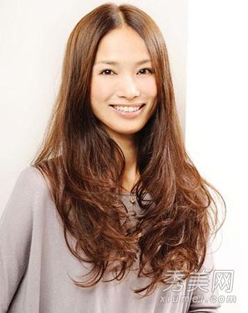 街拍时尚ol发型 2012长发直发发型设计图片