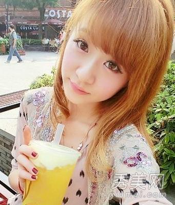 百搭齐刘海发型 呈现不一样的风情