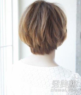 3款秋季修颜短发 中分刘海时尚迷人图片