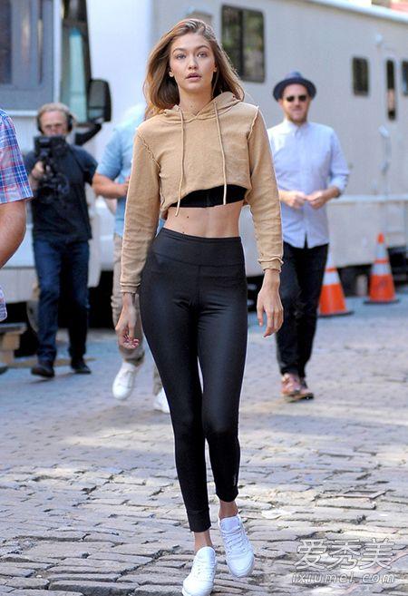 欧美女星街拍图片 穿运动装也如此撩人图片