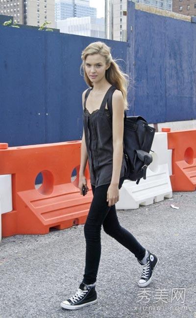 欧美街拍 10款运动鞋轻松舒服好出街图片
